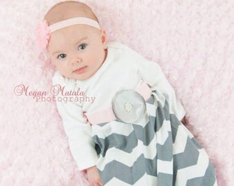newborn infant layette, coming home outfit, baby shower gift, personalized gift, first pictures, layette, baby girl clothes, take home set