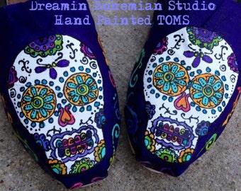 Slip ons Custom, Painted Slip-ons, HandPainted Toms, Purple Flat Shoes, Calaveras, Sugar Skull Toms, Day of the Dead, Festival, Toms Custom