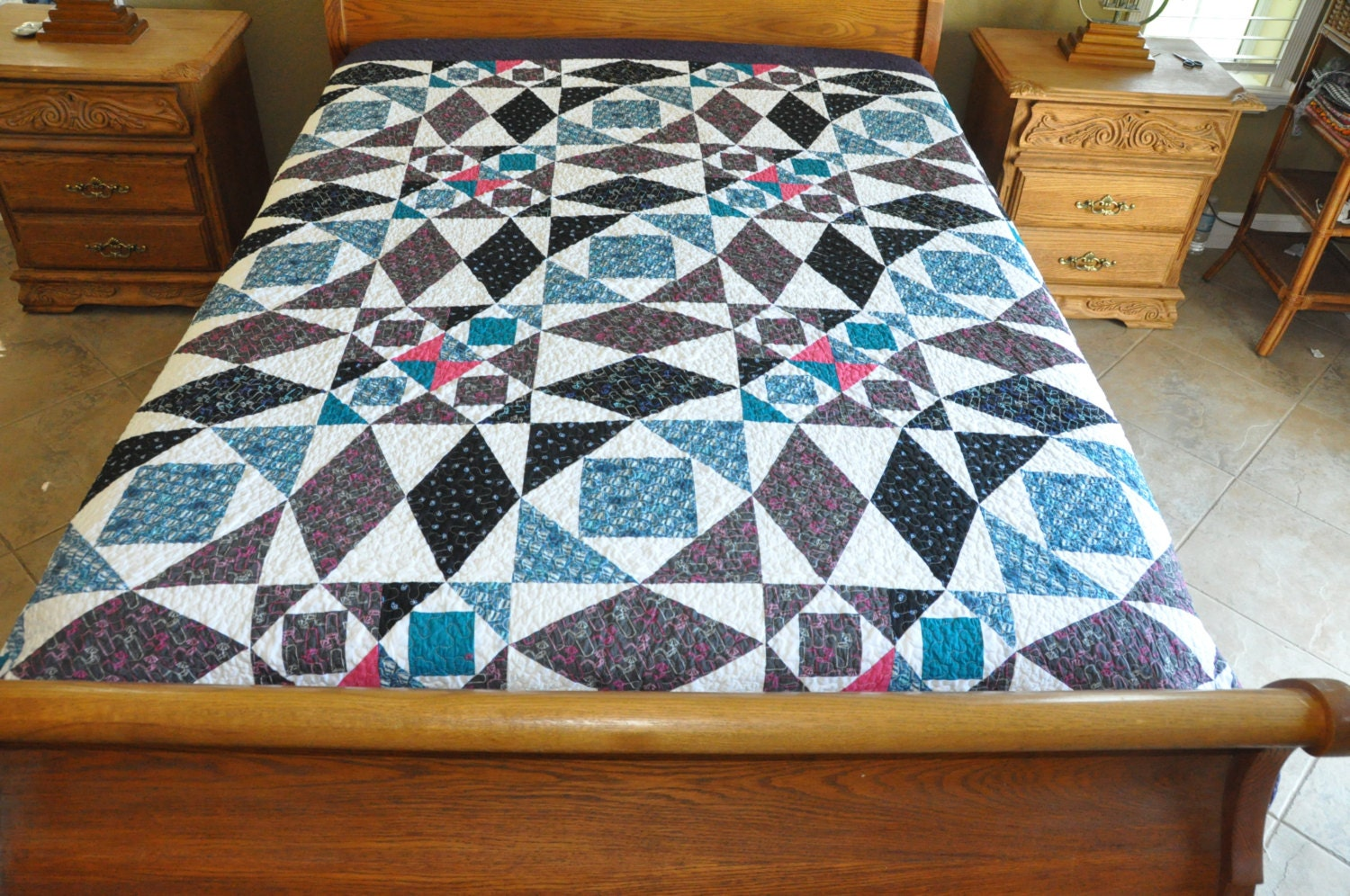 Holiday sale Over King size machine quilted patchwork quilt
