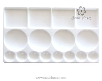 Paint Palette with 16 Wells in White Plastic