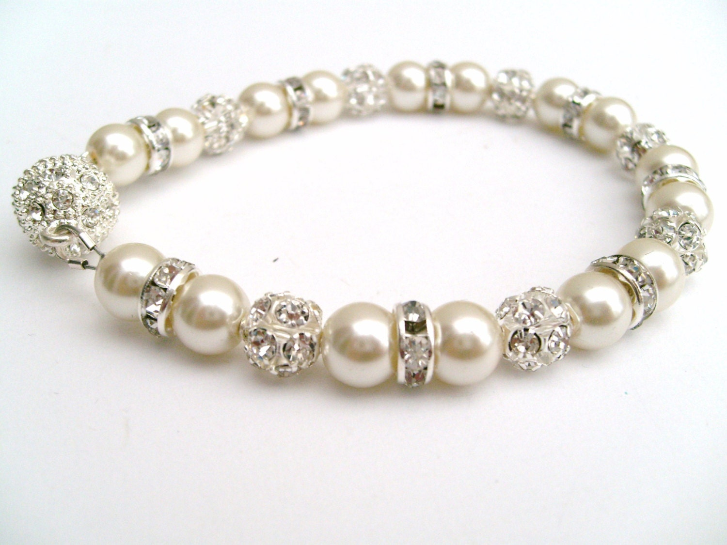 easy to fasten jewelry magnetic clasp bracelet ivory pearl