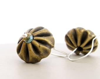 Sterling silver dangle earrings and antique golden color. Rustic earrings style. Lightweight earrings. Handmade jewelry.  Metal earrings