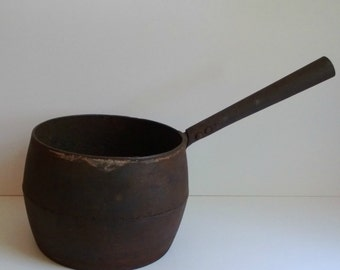 antique cast iron cooking pot