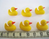 Jesse James Dress It Up Button - Yellow  Duck