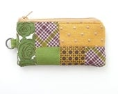zipper pouch cardholder. olive green mustard quilted patchwork. womens credit card holder. zippered coin purse teacher gift