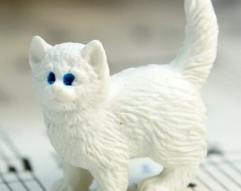 White Kitty Cat - Set of 4 miniature cat figurine dollhouse diorama project craft - 234-9622