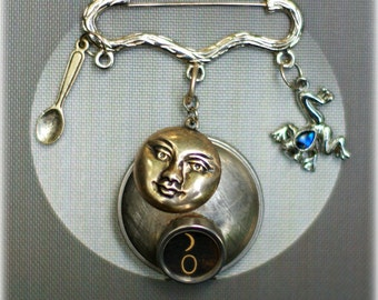 Healing Frog - Authentic Vintage Typewriter Key Brooch - Gentle Moon & Frog with Spoon