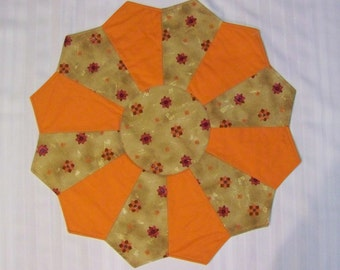"14"" Solid Orange with Print on Tan Dresden Plate Table Topper (D4OR-14"")"