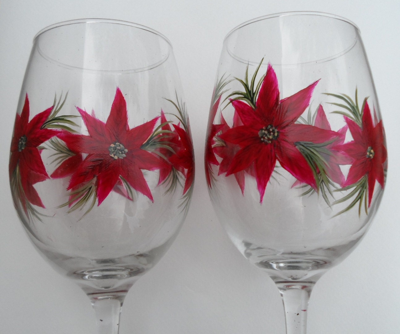Hand painted wine glasses painted poinsettia wine glasses Images of painted wine glasses