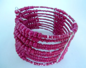 Beaded memory wire bracelet in pink - Oriental style - Vintage Used Look - Shabby Chic - Adjustable - Fashion Jewelry - Gift Idea - Cuff