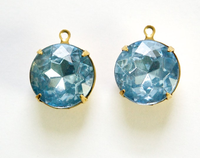 Vintage Light Sapphire Faceted Glass Stones 1 Loop Brass Settings 15mm rnd012F