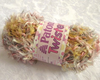 Patons Twister yarn ROSEWOOD TWIST, pink cream Chenile & Eyelash yarn twist, destash
