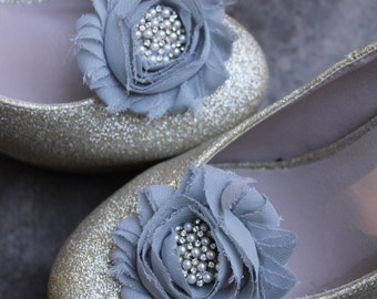 Wedding or Dress- grey chiffon flower and silver/pearl/rhinestone center shoe clips