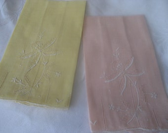 Set of 2 VINTAGE Embroidered Peach & Yellow Linen Finger Tip Hand Towels