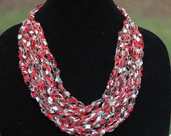 Red Silver Gold Crochet Trellis Necklace - Adjustable, Ladder Yarn Necklace, Yarn Necklace, Vegan Crochet Necklace, Crochet Jewelry