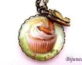 Cupcake necklace -  Cake cupcake necklace - Pink cupcake necklace - Candy cupcake necklace - Cupcakes necklace n648