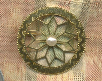 SALE SALE Antique Victorian 14k Gold and Pearl Floral Brooch