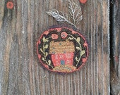 "Primitive Punchneedle Brooch ""Sweet Home"""