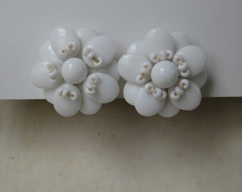 Flower White Earrings Screw Milk Glass Vintage