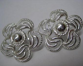Flower Silver Filigree Earrings Pierced Post Vintage