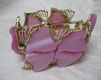 Chunky Pink Bracelet Gold Vintage Thermoset Plastic