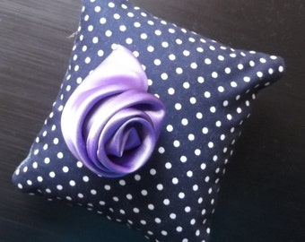Flower PDF, tutorial on making Rose in fabric, with step by step instructions and photos. Instant Download. 2 full size patterns.
