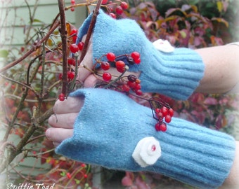 Wool fingerless Gloves with Winter Flowers