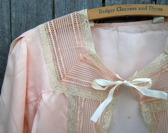Vintage Lingerie Nightgown Jacket Blouse 1940s Peach Rayon Lace Bodice