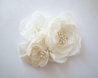 Champagne Fascinator Veil Set - GRANDE FLEURETTE - Ivory White Champagne Handcrafted Flower Pearl Fascinator Birdcage Veil