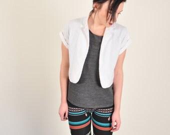 vintage // CROPPED WHITE JACKET // short sleeve summer jacket cardigan // medium