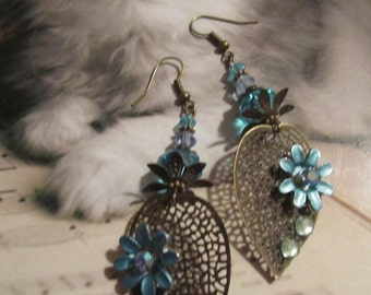 BEAUTIFUL  Brass Filigree TURQUOISE  Leaf  EARRINGS.