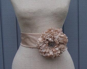Flower sash, Handmade flower, gift, wedding dress sash, bridal accessories, wedding accesories, wedding belt, unique, bridesmaids, bridal