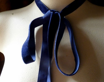 2 YARDS Velvet Ribbon in NAVY Blue for Jewelry or Costume Design, Millinery, Couture, Floral Supply VL 171nb