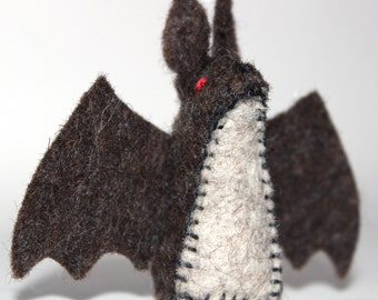 Waldorf Toy - Little Felt Bat - Wool Felt Play Set Toy - Heirloom Felt  Stuffed Animal