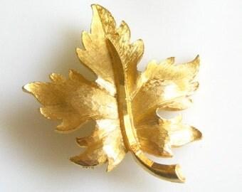 Vintage Goldtone Leaf Pin Brooch Signed Mamselle