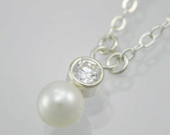 Stone Drop Neck with Pearl (Cubic Zirconia)