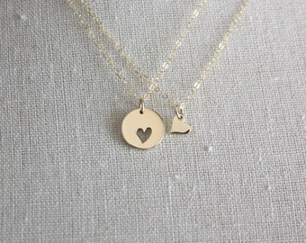 Mother Daughter Necklace Set - Mother Daughter Jewelry - Gold Heart Pendants - Mom Daughter Gift Set - Mother's Day Jewelry
