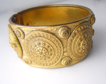 JERAY RICE WEINER marked, vintage 1940s, Etrusceana Line, ornately sculpted hinge-cuff bracelet