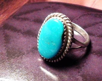 Oval Cabochon turquoise and sterling silver  Size 7 Vintage Art Indian Soutwest
