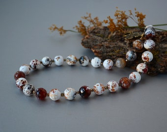 Fall Agate Jewelry White Brown Agate Necklace Statement Gemstone Necklace Beaded Women Beauty Gift Christmas Wife Clothing Gift for her