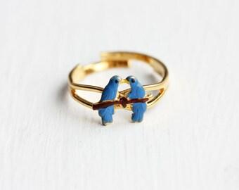 Blue Parrots Ring