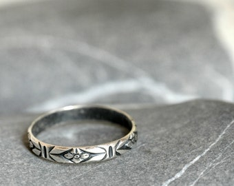 Patterned Sterling silver ring - stackable - Made To Order