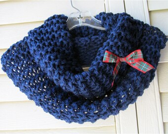Hand Knit Claire Cowl, Outlander Inspired Chunky Scarf, 8 Colors, SuperWash Wool