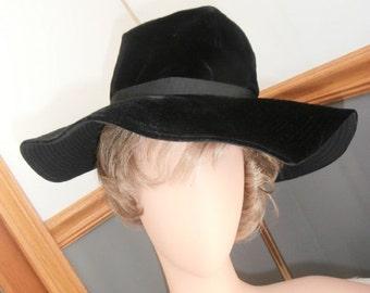 Womens Hat-Millinery Black Velvet Bucket Large Brim Hat Vintage 1960's Womens Hat
