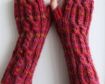 Cabled knit  Fingerless wrist warmers in pure wool.
