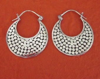 Balinese Silver Hoop Earrings / 1.15 inch long / silver 925 / Handmade Bali jewelry