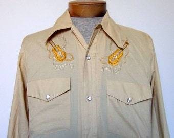 Vintage Mens Shirt Beige Button Down Collared Shirt Guitar Embroidered 1970s Causal 70s Western Rodeo - Small S