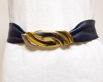 Vintage Blue Soft Leather belt by Liz Claiborne size medium small