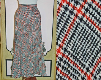 Vintage 1950's Knife Pleat Plaid Wool Skirt in Red, White and Black. Small.