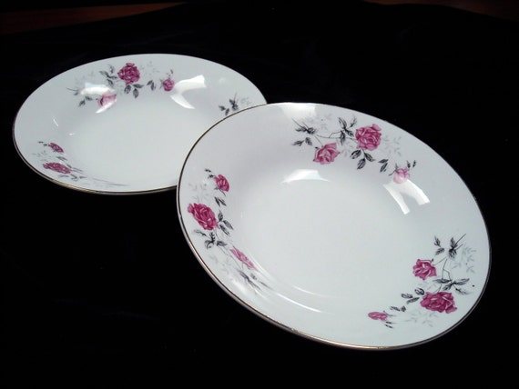 Hebi China  City pictures : Fine China Plate Set.